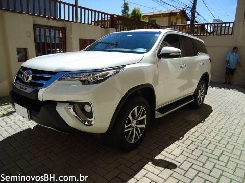 Toyota Hilux SW4